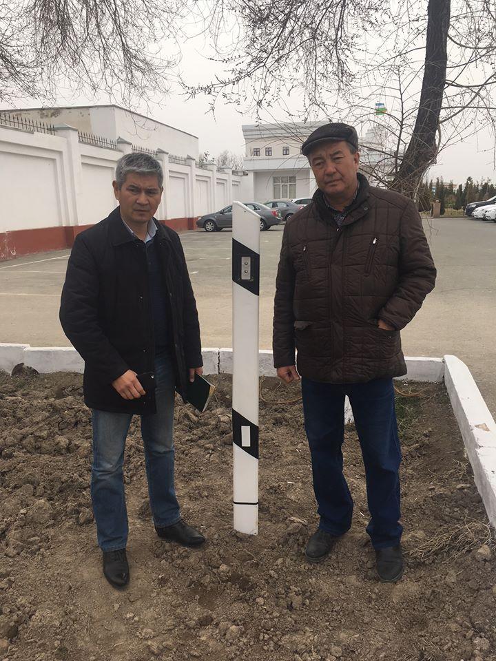 Сигнальный дорожный столбик от энергии земли в Узбекистане