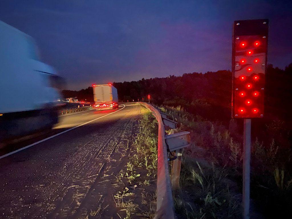 Дорожный фонарь Ф6 с питанием от земляной батареи